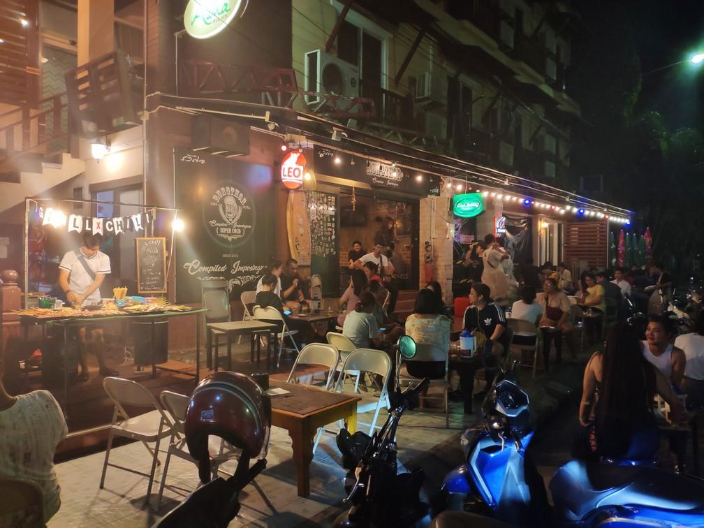 Piatok večer sa z barov ozýva živá hudba