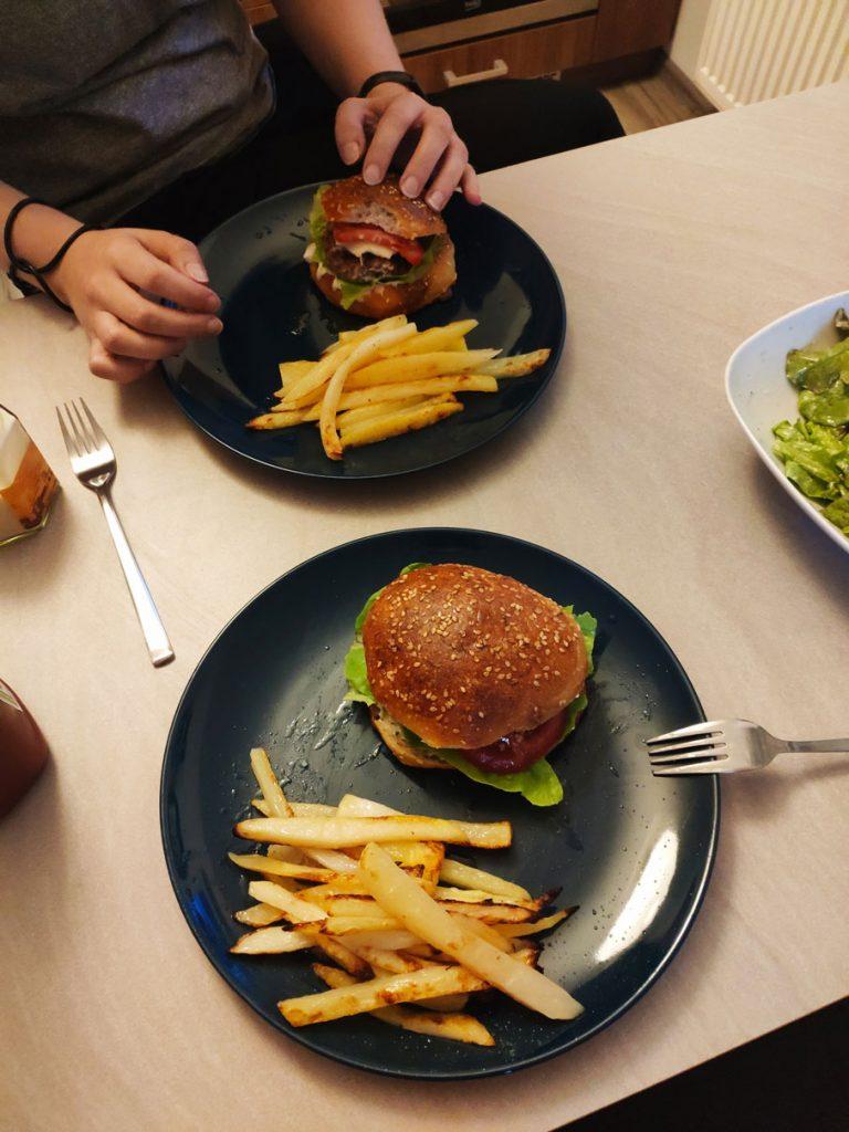 Domáci hamburger s hranolkami - aká iná metóda chudnutia toto umožňuje?