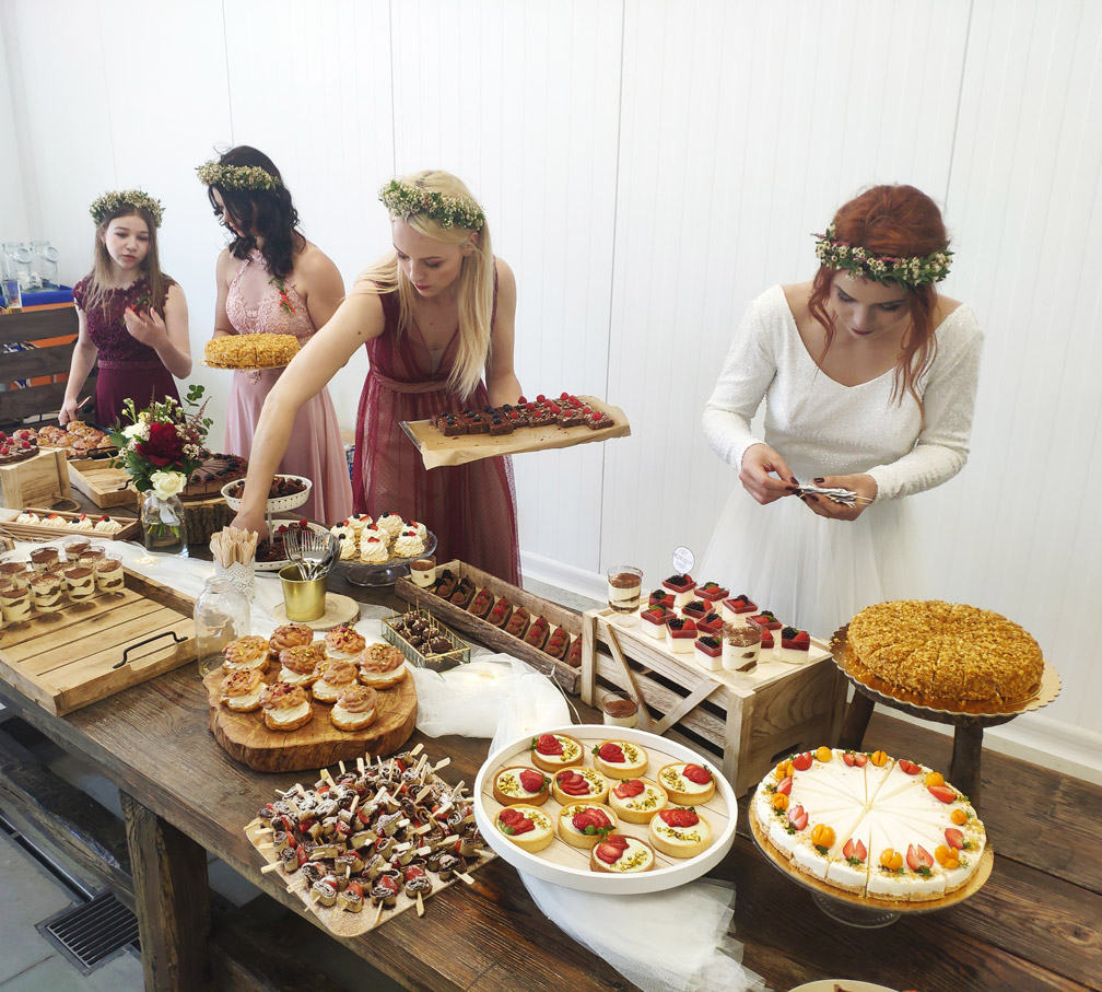 Zákusky a koláče na Moravskej svadbe
